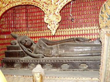 Wlodarek - Liegende Buddha-Figur