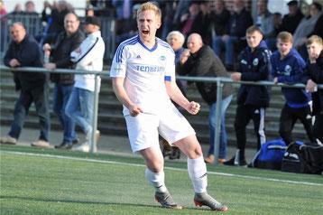 Hier bejubelt Hendrik Deitert seinen Treffer zum 1:0 © Sascha Keirat