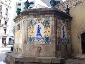 Фонтан Святой Анны в Барселоне