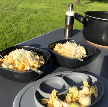 Baby-led Weaning Rezept: Rahm-Fusilli mit Blumenkohl, Romanesco und gemahlenen Mandeln