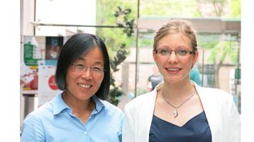 Prof. Dr. med. Min Ae Lee-Kirsch, Leiterin der Klinischen Forschergruppe (KFO) 249 (links) und Erstautorin Dr. rer. medic. Chrisitne Wolf  (Foto: Uniklinikum Dresden)