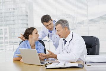 Schwarmintelligenz: Mehrere Meinungen erhöhen die Diagnosegenauigkeit beim Hautkrebs. (Foto: WavebreakmediaMicro - Fotolia)