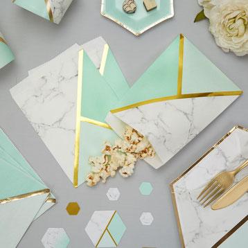 cadeaux-invites-bapteme-pochettes-cadeaux-bapteme-pochettes-marbre-vert-menthe