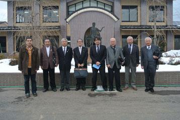 L.木下と参加会員7名(湖南学院前で)