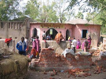 ラフールナガール村にある小学校。