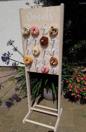 Donutwall auf Ständer leihen