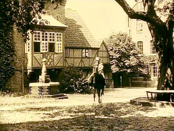 """Zu den Drehorten des Horrorklassikers """"Nosferatu"""" gehört auch der Innenhof der Heilig-Geist-Kirche von Wismar."""