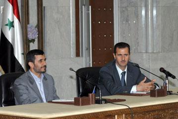 السيد الرئيس بشار الأسد والسيد الرئيس أحمدي نجاد في مؤتمر صحفي