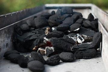 Kohle im Vali-Grill