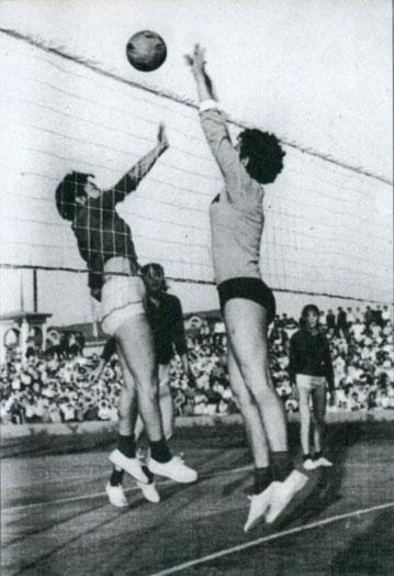 Дружеская встреча сборной ЯГУ со спортсменами Монголии. 1965 г.