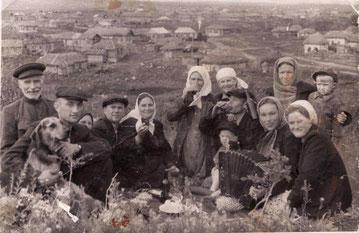Жители Сосновки. Вид с горы Лбинка на ул. Химия (ныне Заречная). 50-е годы.