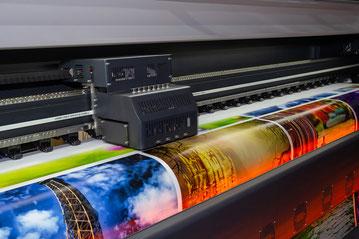大型デジタルプリント機器を自社内に導入
