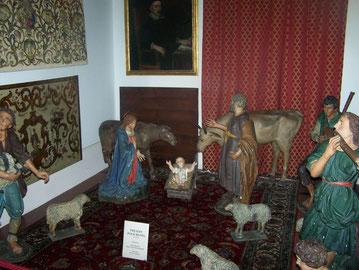 Il precedentemente allestimento della sala col presepio seicentesco oggi in restauro