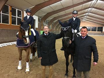 Larissa Deecke (RFV Beedenbostel), Horst-Axel Ahrens, Vorsitzender BPSV LgH, Pia Edzards (RFV Nienhagen), Michael Schulz, Dressurbeauftragter BPSV LgH