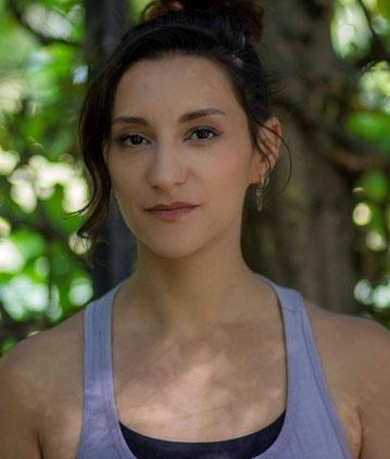 Mouna Ferhati, Professeur de Yoga - Yogami