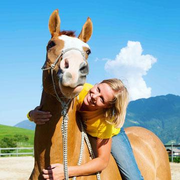 Christina Hummel Schwaz Tirol Pferdetraining Quarter Horse Finn Horsemanship Reiten mobil Unterricht
