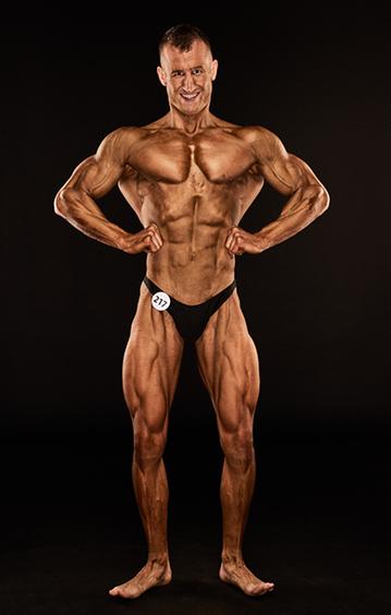 Unser Trainer Janik holt sich nationalen Titel im Bodybuilding