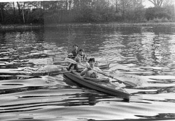 Hans-Jürgen Wille (hinten) während der Paddeltour