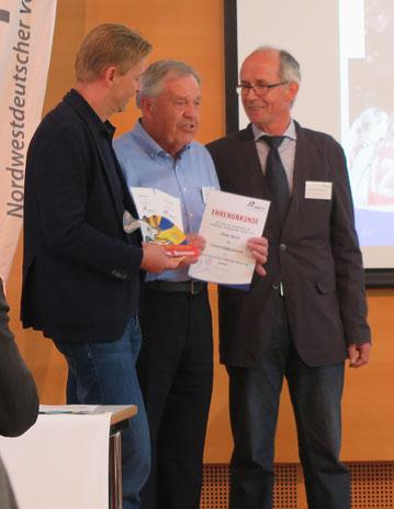 Heinz Wübbena (von links), Peter Ibrom und Jan-Dieter Warntjen