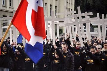 Omkring 200 nazier marcherer gennem Lyon, den 14. januar 2012