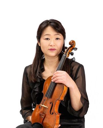Violine lernen in Charlottenburg bei Geigerin Michiko Iiyoshi