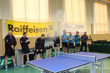 Tomas Janci, Martin Kinslechner und Michael Kufmüller spielten unter den Augen von Alois Fuchs und Moritz Hessenberger gegen Wolfgang Päuerl, Anton Kutis und Raphael Gottweis von Sportklub/Flötzersteig.