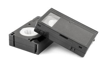 Wir digitaliseren VHS-C Kassetten mit modernester Technik und brennen sie auf DVD, Blu ray, Festplatte oder USB-Stick.