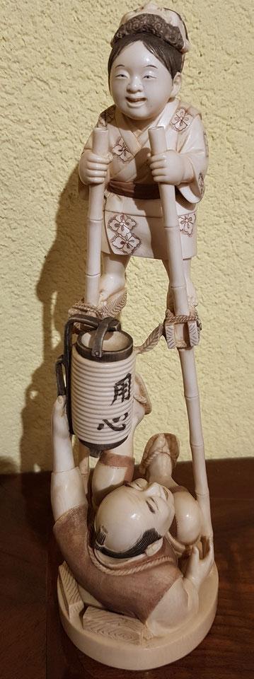 okimono, japon, netzuké, ivoire, galereie Japon, objets japonais, tsuba, katana, estampes, galerie de tableaux, Lausanne, plateforme 10