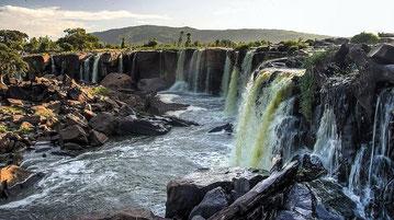 Quattordici cascate (Fourteen Falls). Thika,Kenya