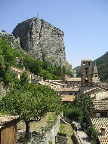 Castellane, roc castellane, castellane tourisme, castellane verdon