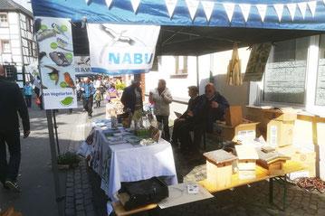 Der Infostand des NABU Euskirchen in Kommern.                                     Foto: NABU Günter Leeesenich