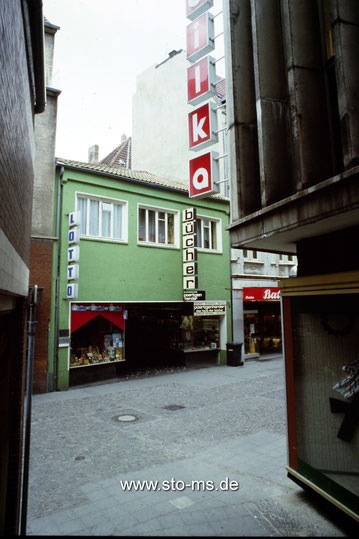 Poertgen 1970er Jahre, rechts Kaufhaus Bilka