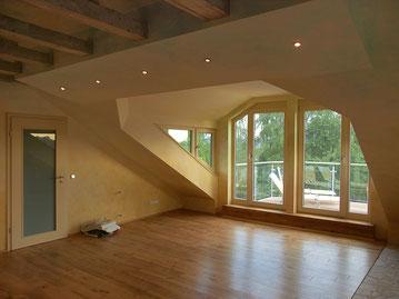 Dachausbau mit Gaube und Dachbalkon