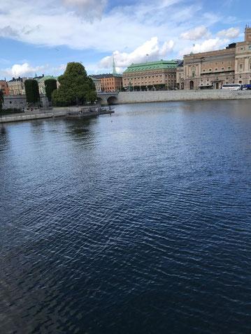 Blick auf die Oper (rechts) in Stockholm