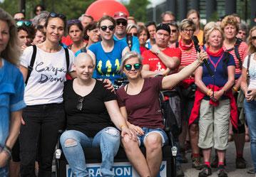 Daisy Nikki Vlogfiets electrische riksja zorgriksja fietstaxi KWF marathon