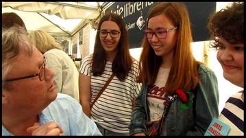 Entrevista a Jonas Jonasson. D'esquerra a dreta: Jonas Jonasson, Irene (@pinguinolector), Alona (@MyOnlyBook_), Mixa (@Mixa_QL)