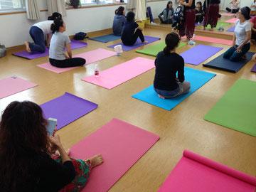 *リフレッシュyoga*大人yoga*火曜日クラス*体を動かしたい方向け*水曜日クラスはソフトyoga