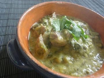 鮎河菜のフィリピン風煮込み