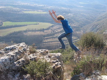 Edgar on a grade 3 jump near at Castel del Mur.
