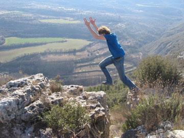 Edgar on a grade 3 jump near at Castel del Mur.