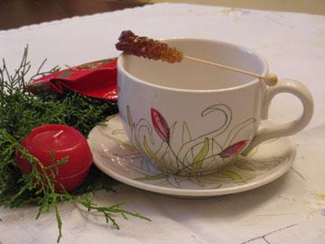 große Teetasse: Blütenknospen