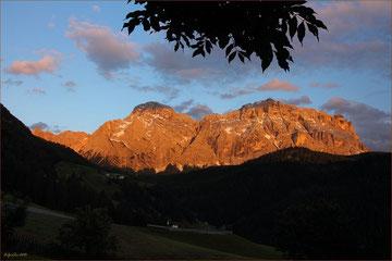 """""""Alpenglühen"""" am """"Neuner"""" und """"Zehner"""" im Gadertal 2013 ..."""