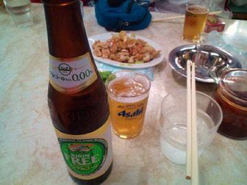 まずはビールで乾杯!が、今日はノンアルコールビールで我慢。