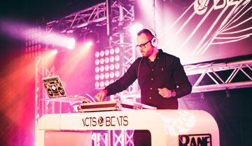 Event und Hochzeits-DJ Nils für Hochzeit, Geburtstag und Firmenfeier