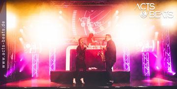 DJ Plus Sängerin Eva für Geburtstag und Messe Event