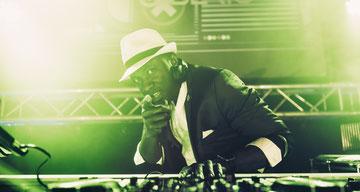 DJ aus Düsseldorf Köln für Firmenfeier