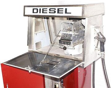 alte Dieselzapfsäule