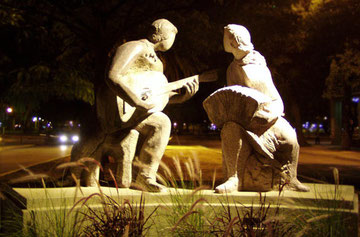 Homenaje al tango - Av Sarmiento, frente a la Plaza Central.