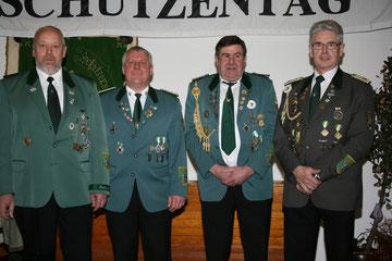 Kreisschützenmeister Otto Heinsohn, stellv. Kreisschützenmeister Stefan Thiele, Kreisschießwart Rolf Stehno und Verbandsgeschäftsführer Gerd Brokelmann