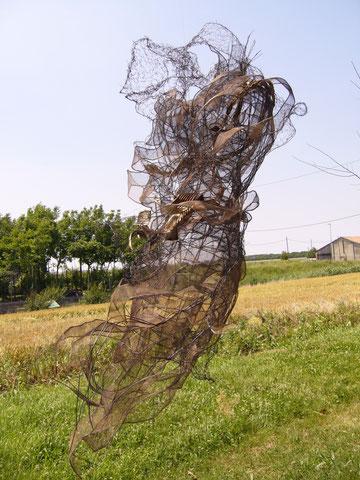 scultura in ferro di Paola Paganelli